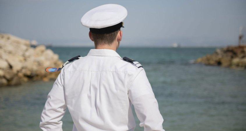 סגן ג. מהרצליה. בוגר קורס חובלים 142 במגמת צוללות