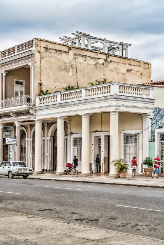 Cuban Street Scene by Sharon Popek