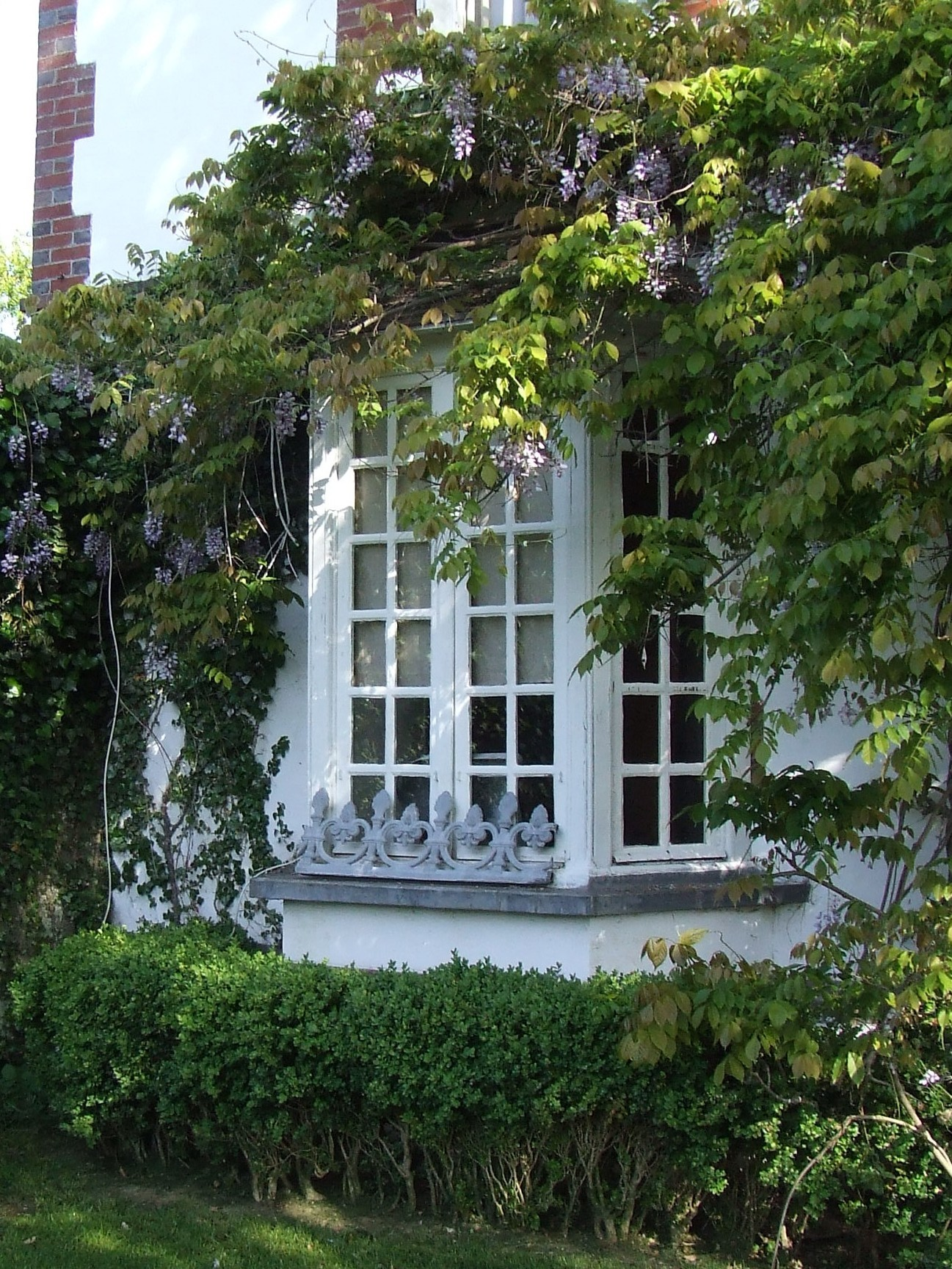 Windows Are The Eyes To The Facade Of A House Their Shape Size And Style Gives Immediate Character To A Building So How Are The Typical French Country