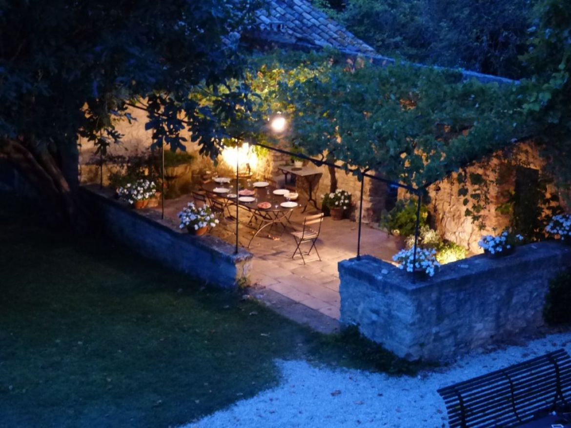 evening dining al fresco under the vine