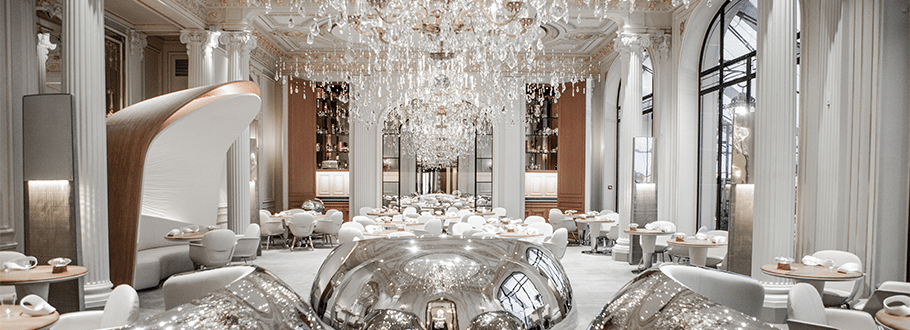 dining room at plaza athenee