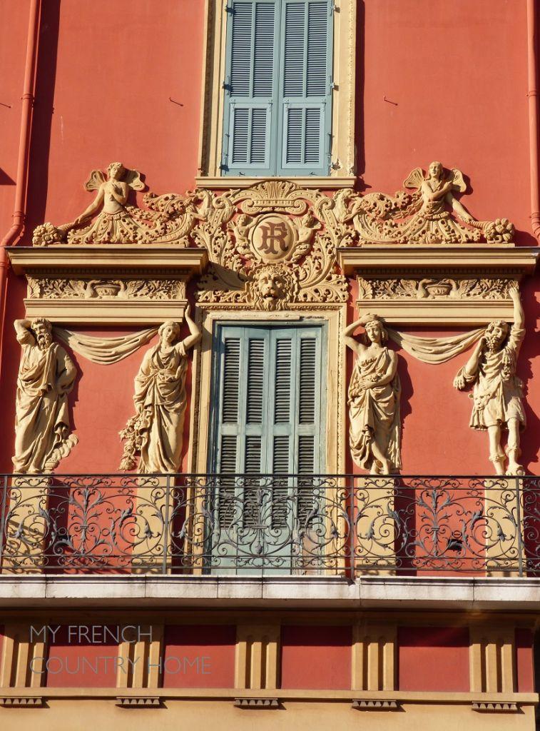 facade building in Nice cote d'azur
