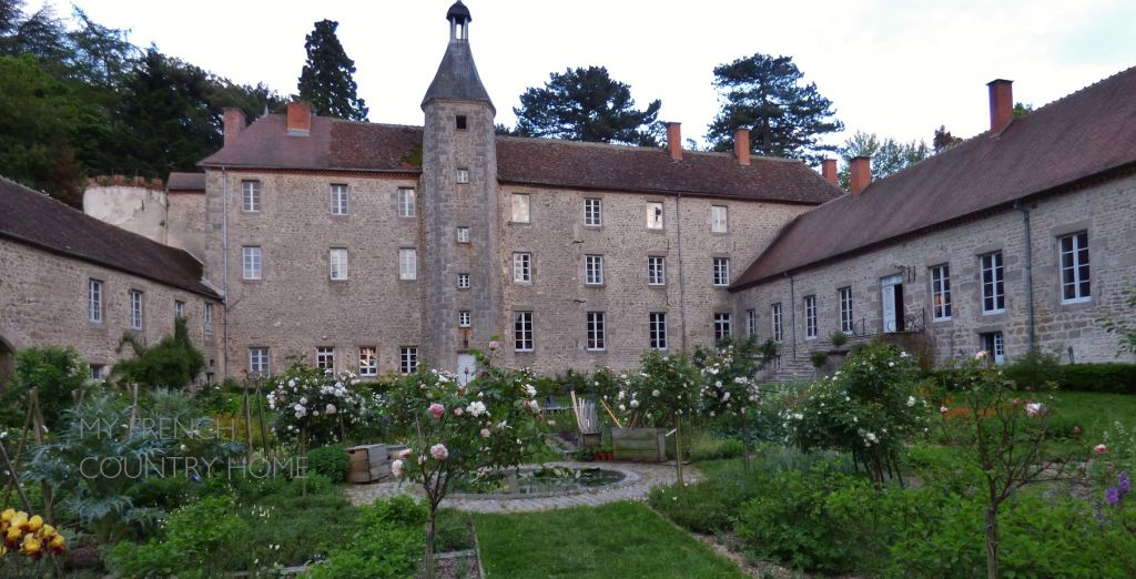CHATEAU DE BEAUVOIR,