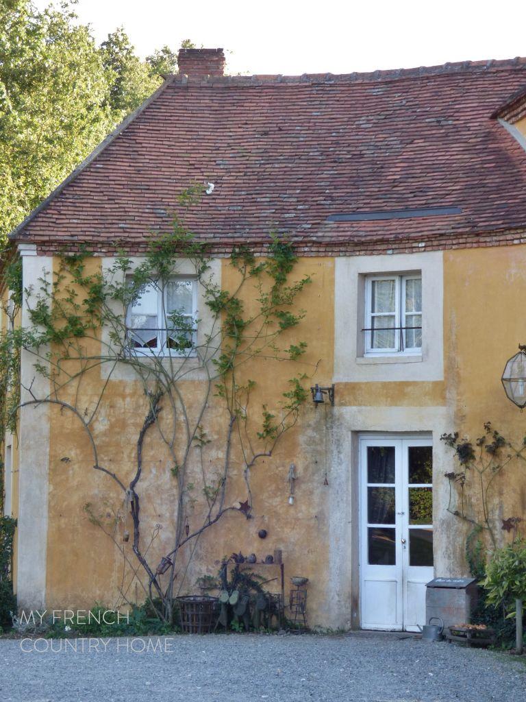 FACADE FRENCH HOUSE