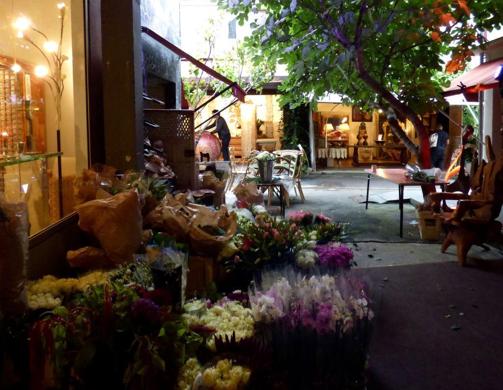 flowers at the paris flea market