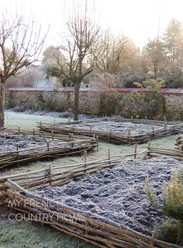 no dig beds in vegetable garden
