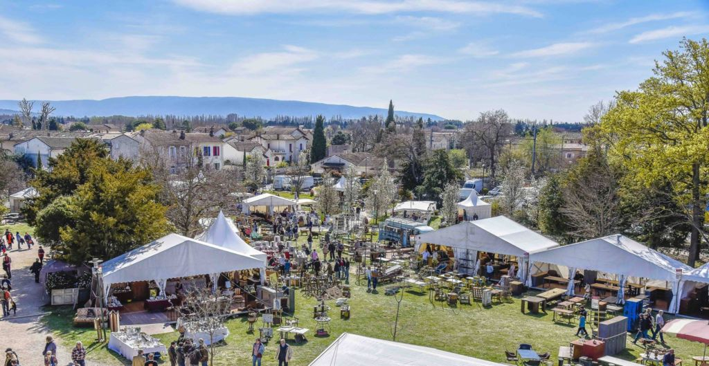 isle sur la sorgue antique fair