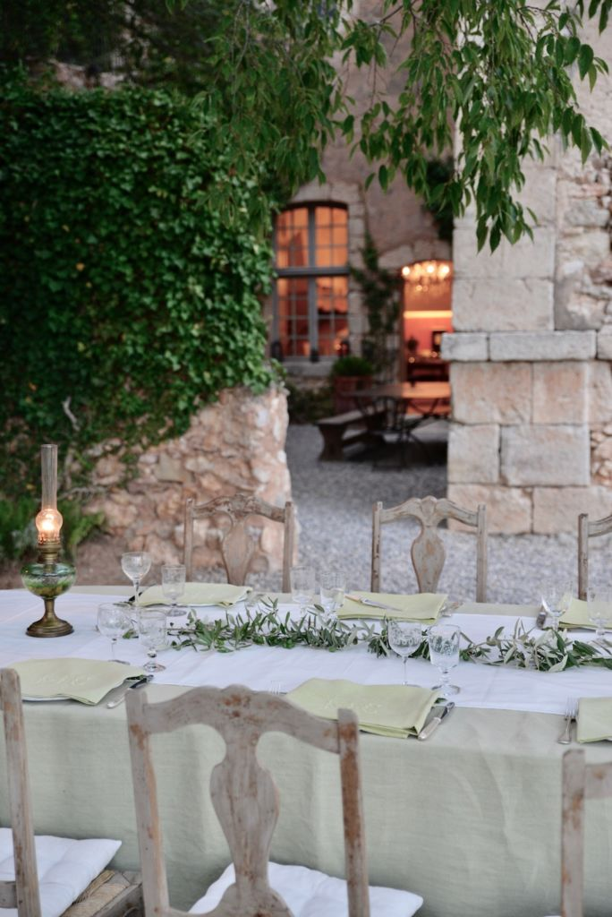 dining at chateau de moissac, south of france