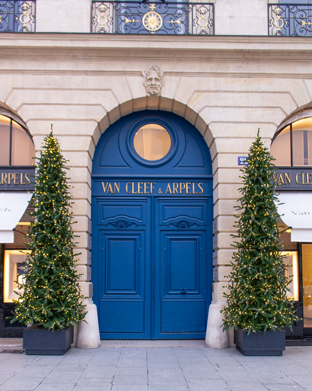 Van Cleef & Arpels, Place Vendome- paris decorated for christmas- MY FRENCH COUNTRY HOME