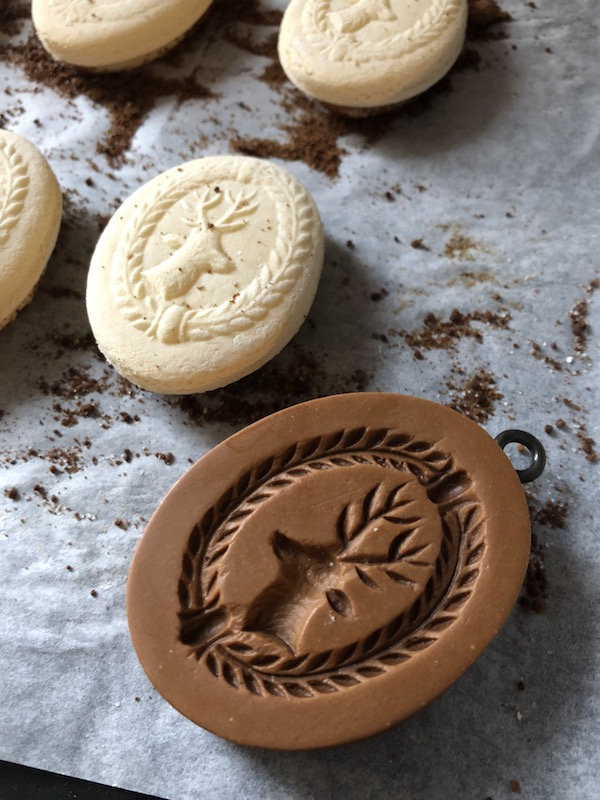 springerle cookie mold with reindeer and wreath
