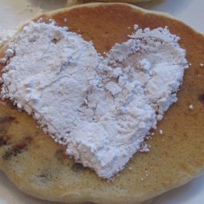 The Hungry {Romance} Writer: Pecan Pancakes