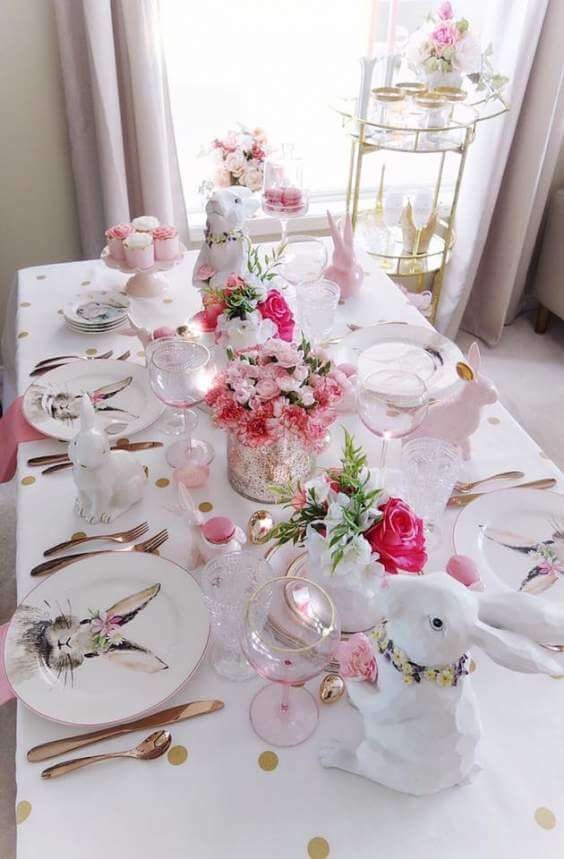 These homemade Easter decorations include Easter table decorations, Easter flowers arrangements centrepieces, Easter decor ideas with eggs, Easter centrepiece ideas, DIY Easter centrepieces, Easter table centrepieces, and elegant Easter table decorations. And, if you're after inexpensive Easter table decorations ideas, these are fab #easterdecorations #easterdecor #centerpieces #eastercenterpieces#easter