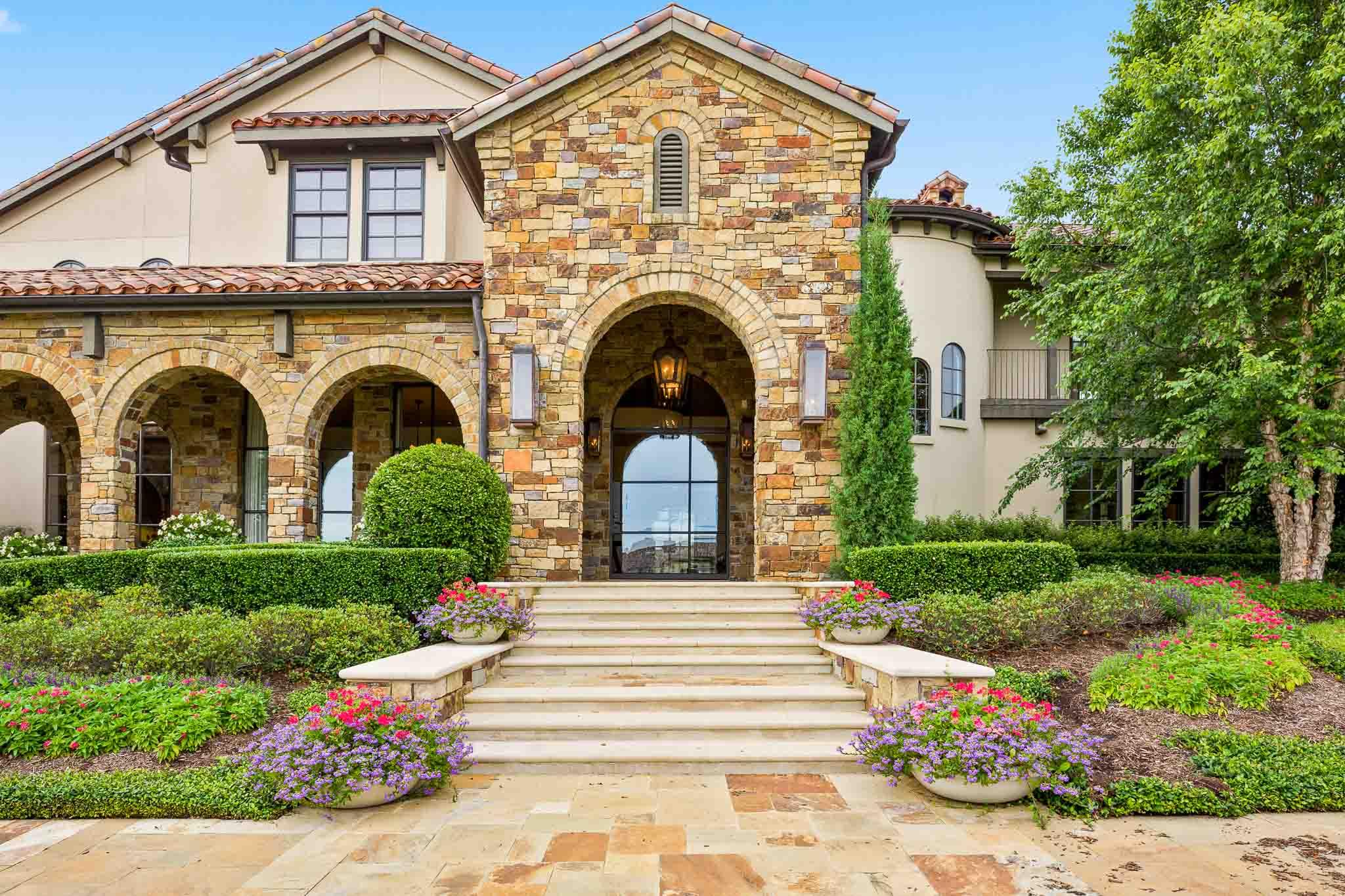 Million dollar estate near Flower Mound listed for sale