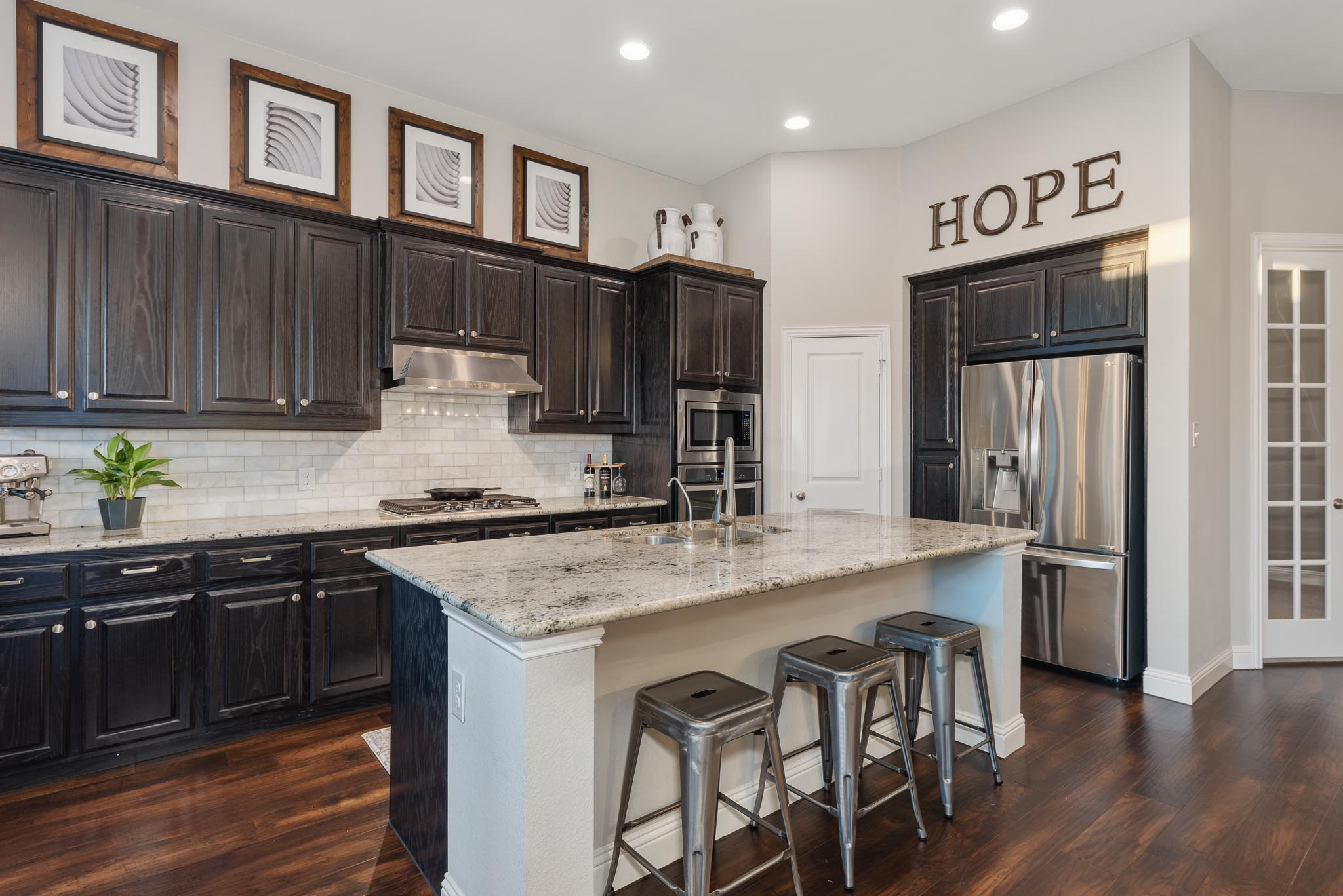 Sharp Frame Media offers high quality real estate photography to Dallas, Fort Worth, Flower Mound, and Wichita Falls
