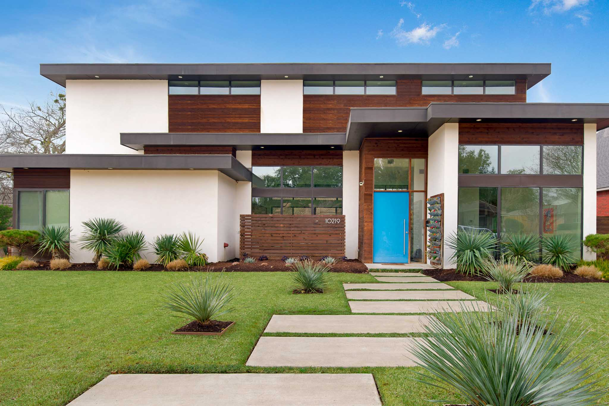 Home designed by renowned architect photographed by Sharp Frame