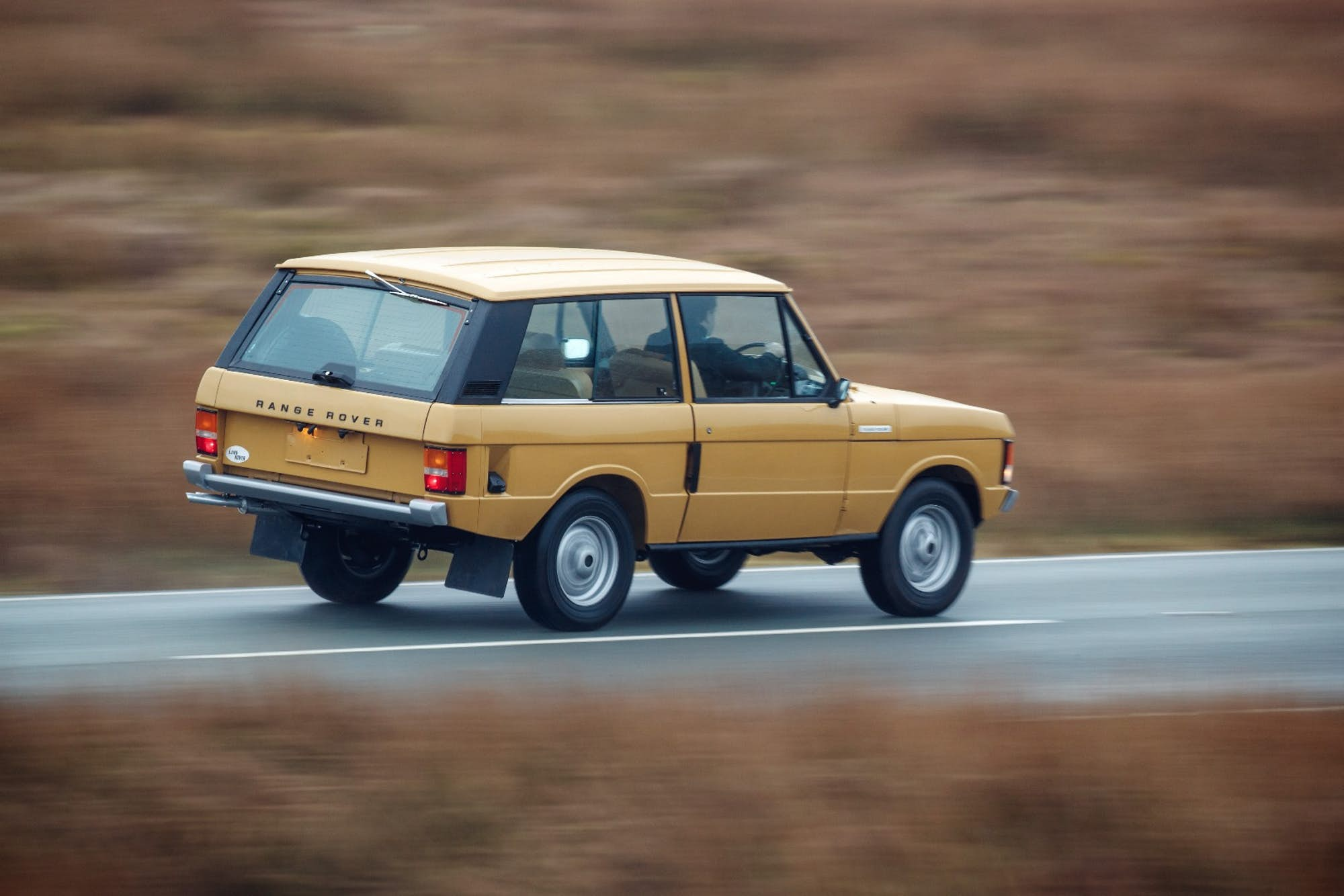 You Can Own This Beautifully Restored 1978 Range Rover for