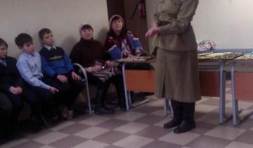 Коллекция Военных пуговиц в гостях у начальной школы!
