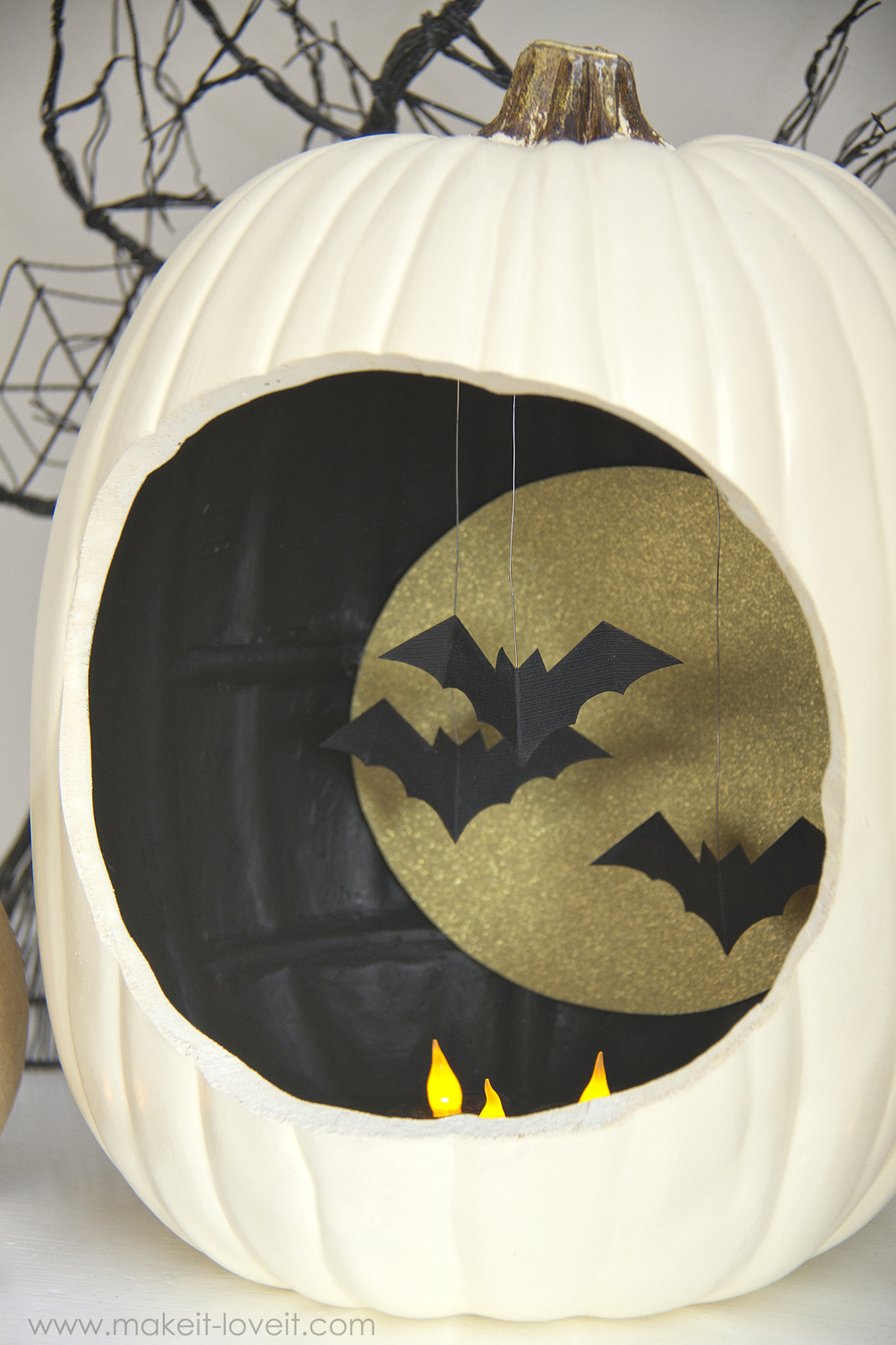 Best Autumn Decor Pumpkins With Hanging And Flying Bats This Month
