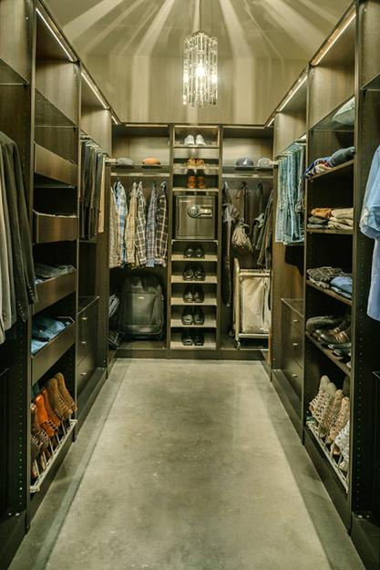 Best 33 Walk In Closet Design Ideas To Find Solace In Master This Month