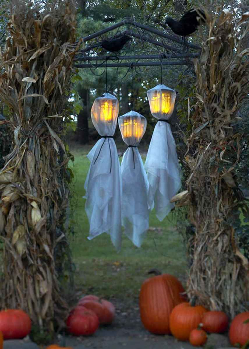 Best 48 Creepy Outdoor Halloween Decoration Ideas This Month