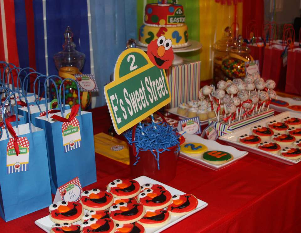 Best Sesame Street Elmo Birthday Easton S 2Nd Elmo Birthday This Month