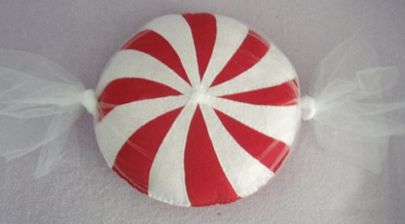 Best Candy Shaped Round Throw Pillow Red And White Swirl By This Month