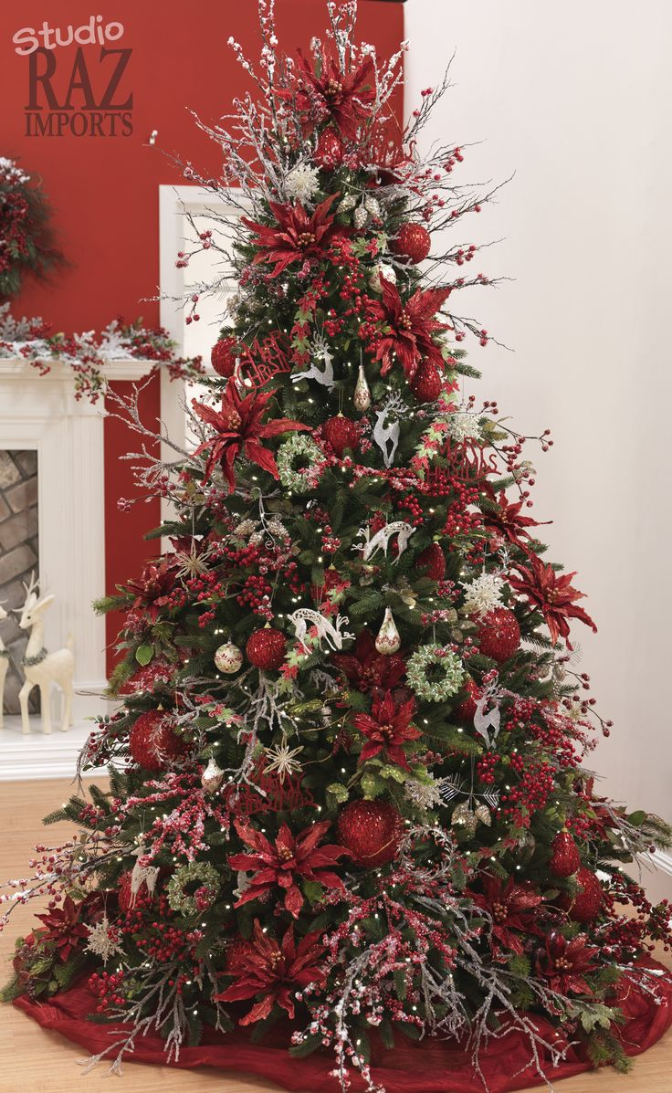 Best 30 Festive Christmas Tree Decoration Ideas This Month