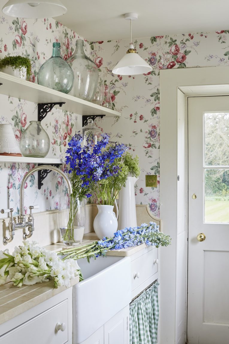 Best Vintage Home Decor Ideas To Steal From Grandma S House This Month