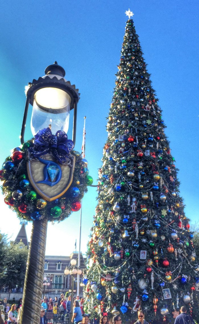 Best Holidays At Disneyland Resort – Reasons To Plan A Visit This Month