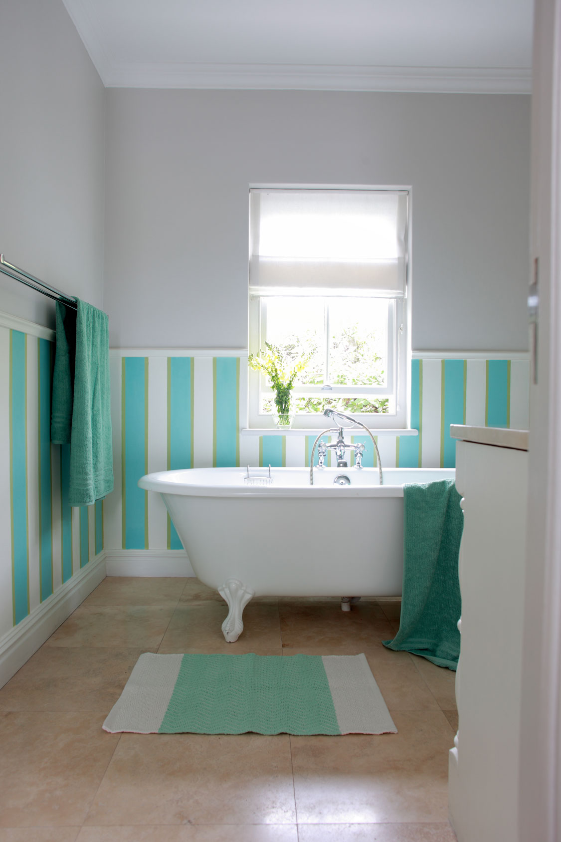 Best 10 Easy Bathroom Decor Ideas Sa Garden And Home This Month
