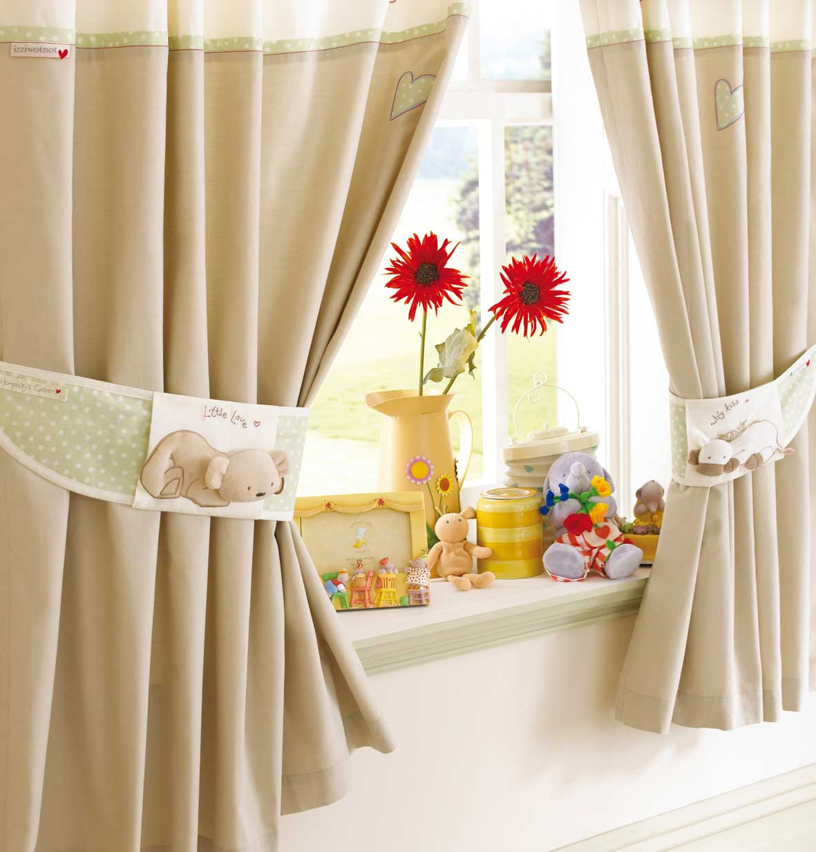 Best Curtains – Fabric Tips And Designs This Month