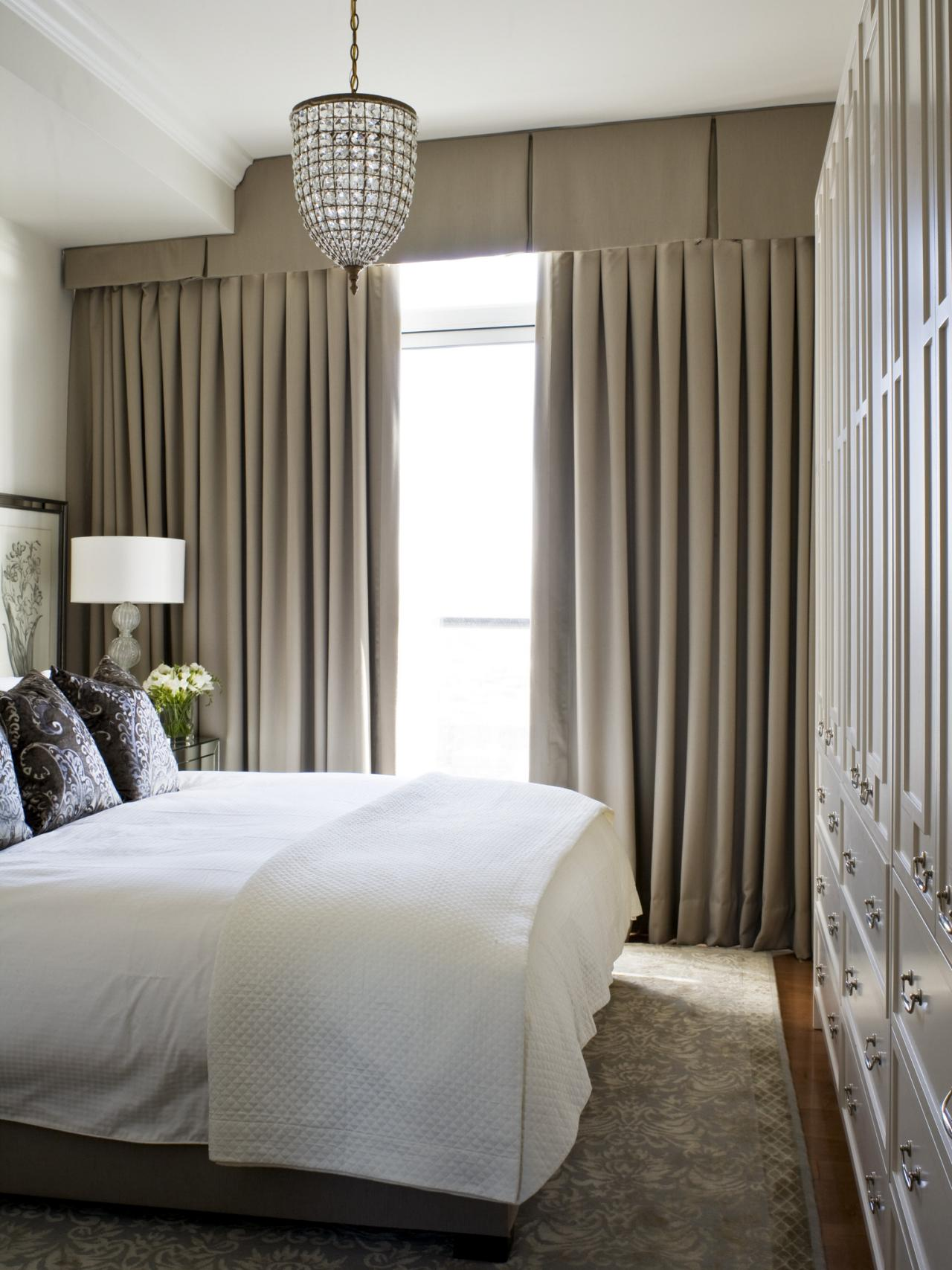 Best 14 Ideas For A Small Bedroom Hgtv S Decorating Design This Month