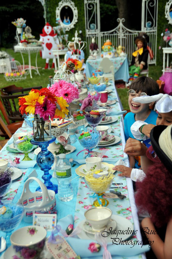 Best Kara S Party Ideas Alice In Wonderland Party Via Kara S This Month