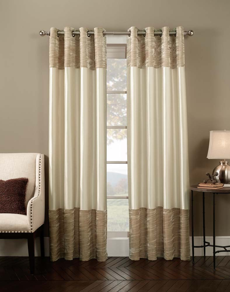 Best 31 Amazing Velevt Drapes And Curtain Decor Ideas This Month