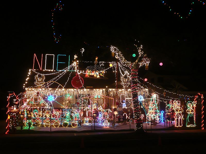 Best Top 10 Biggest Outdoor Christmas Lights House Decorations This Month