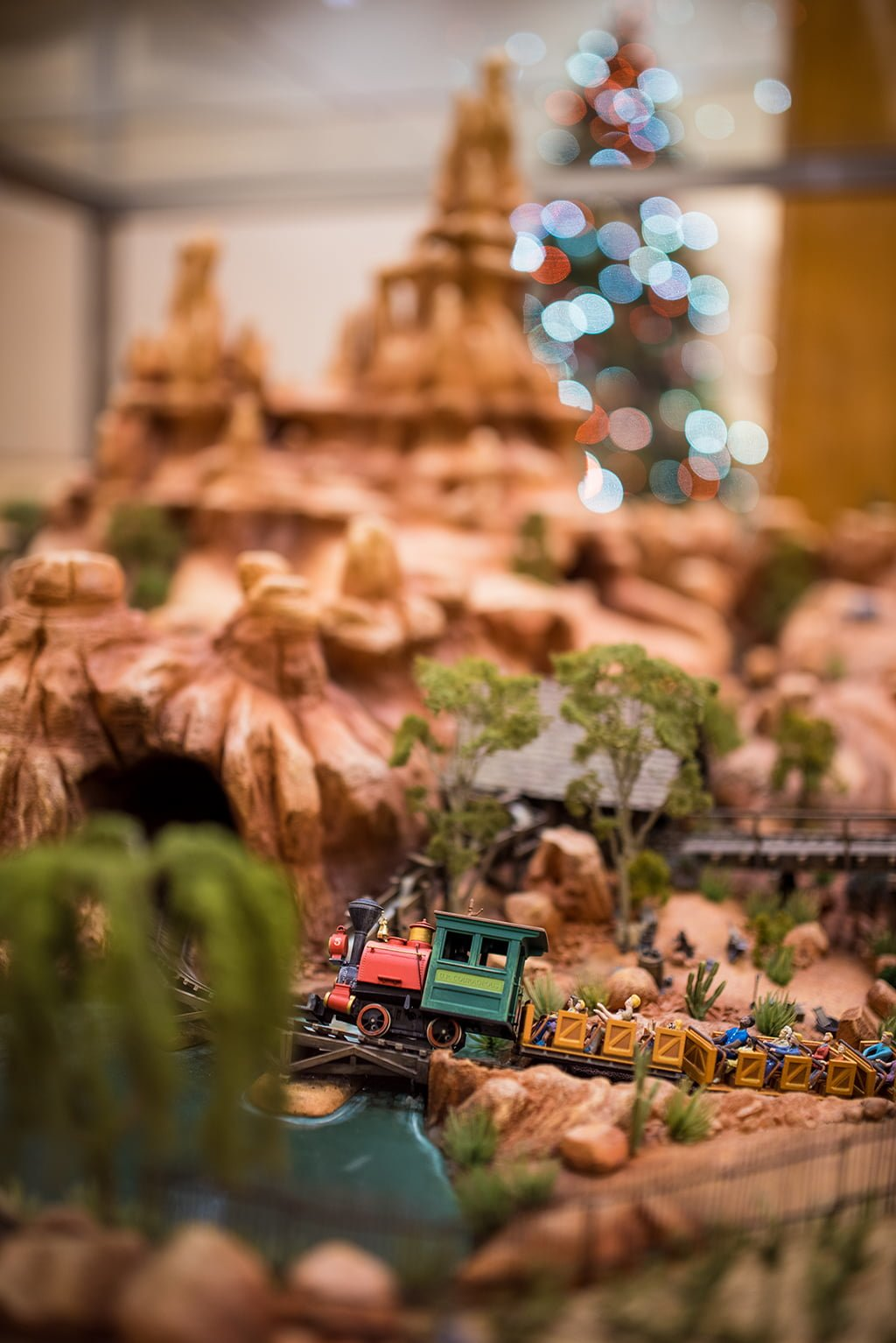 Best Hotels Of Disneyland At Christmas Half Day Tour Disney This Month