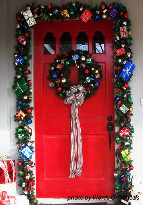 Best Choose A Christmas Door Decoration For Holiday Pizzazz This Month