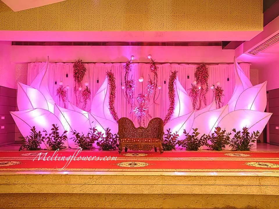 Best Wedding Backdrops Backdrop Decorations Melting Flowers This Month