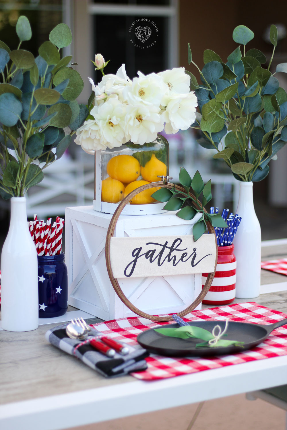 Best Beautiful Red White And Blue Table Decorations For July 4Th This Month