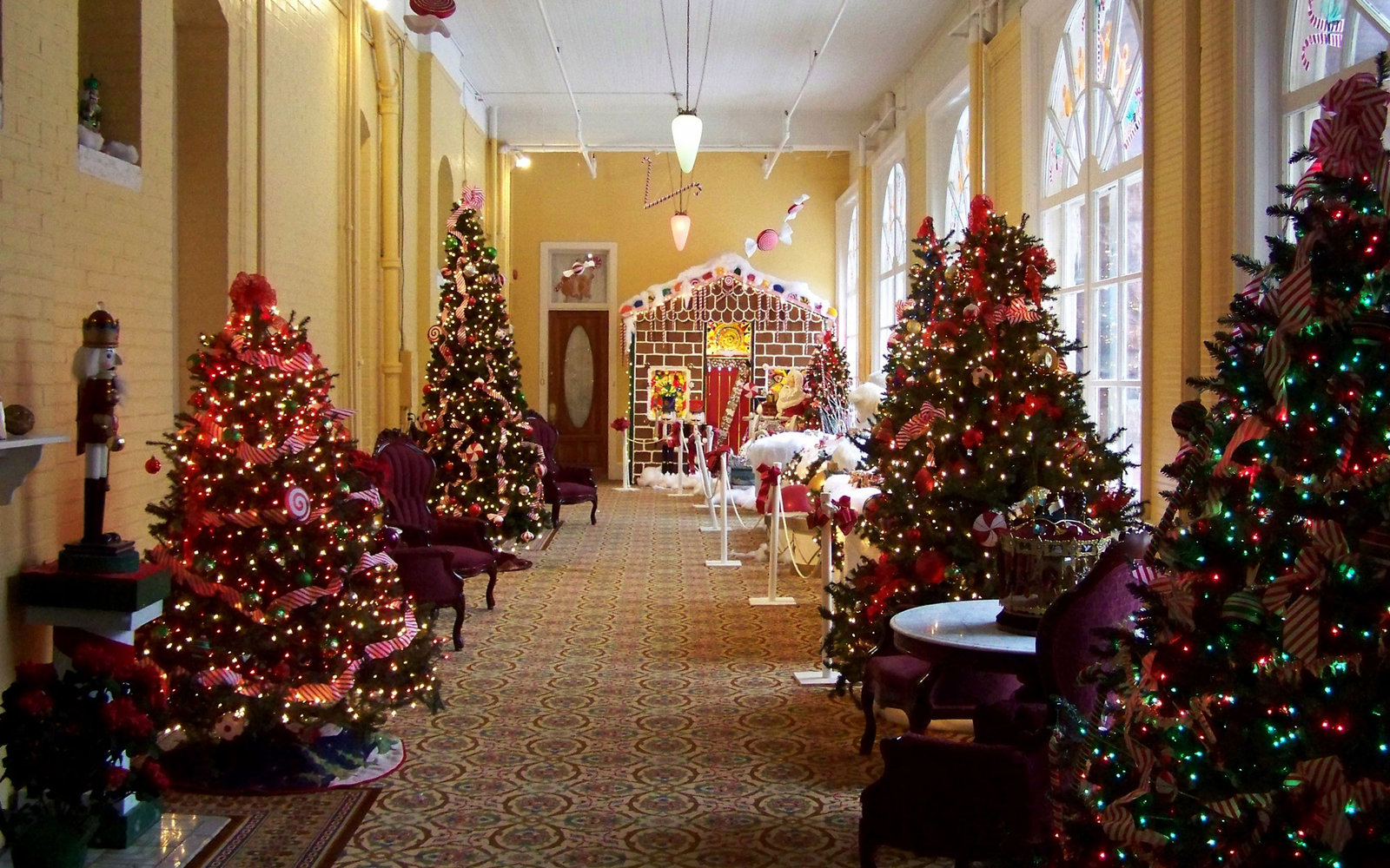 Best America S Best Hotels For Christmas Travel Leisure This Month