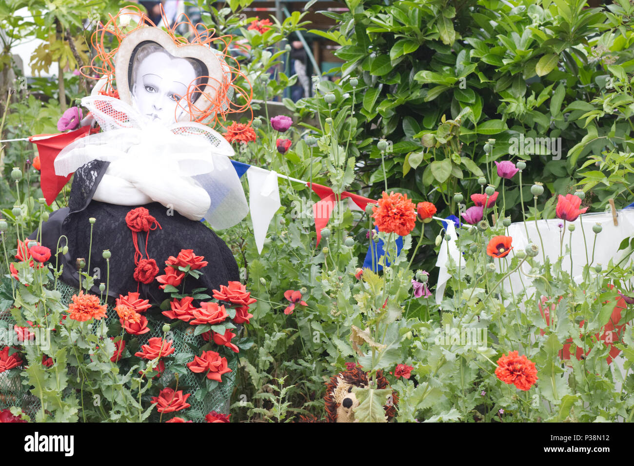 Best Queen Of Hearts Alice Wonderland Stock Photos Queen Of This Month