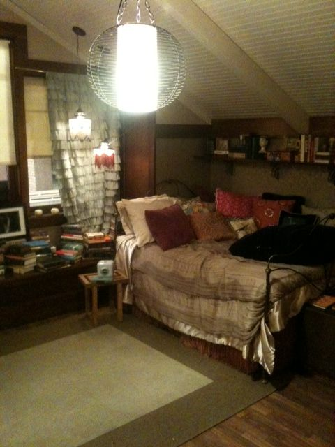 Best 25 Aria Montgomery Room Ideas On Pinterest Aria This Month