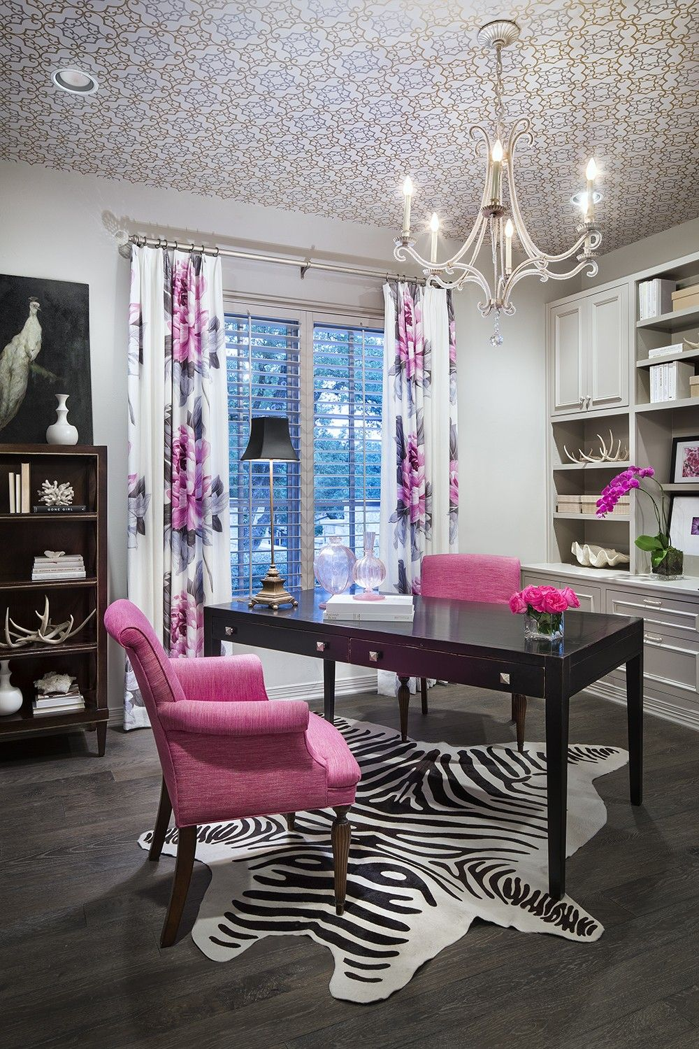 Best Black And White Office With Pink Accents Home Office This Month