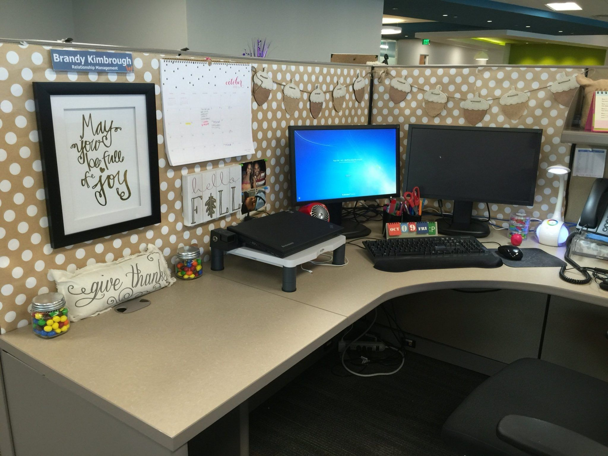 Best Cubicle Decorating Ideas With Classy Accent Home Decor This Month
