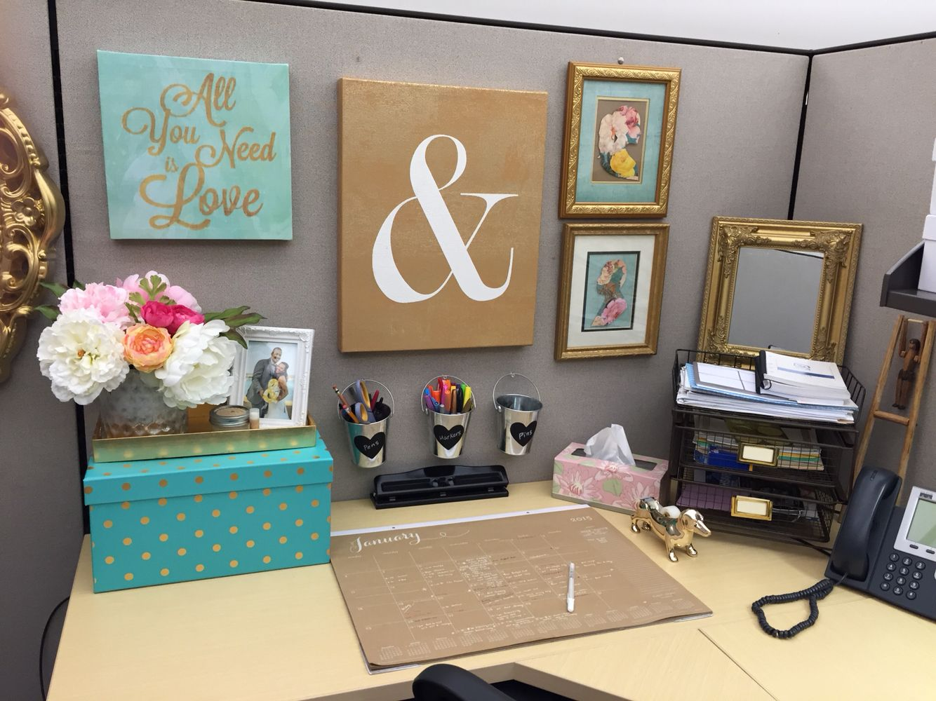 Best Cubicle Decor Organization In 2019 Office Cubicle This Month