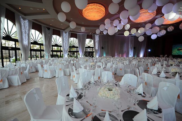 Best All White Decorations Events White Decor Table This Month