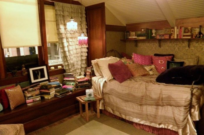 Best 12 Tv Bedrooms You Ll Totally Fall In Love With Tv This Month