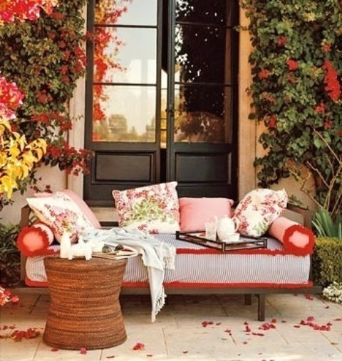Best Diy Welcome The Fall With Warm And Cozy Patio Decorating This Month