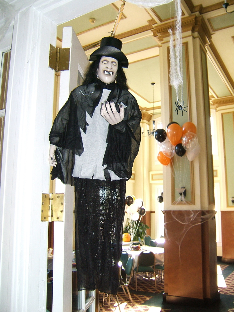 Best Halloween Decorating Ideas Clever Ways To Decorate Every This Month