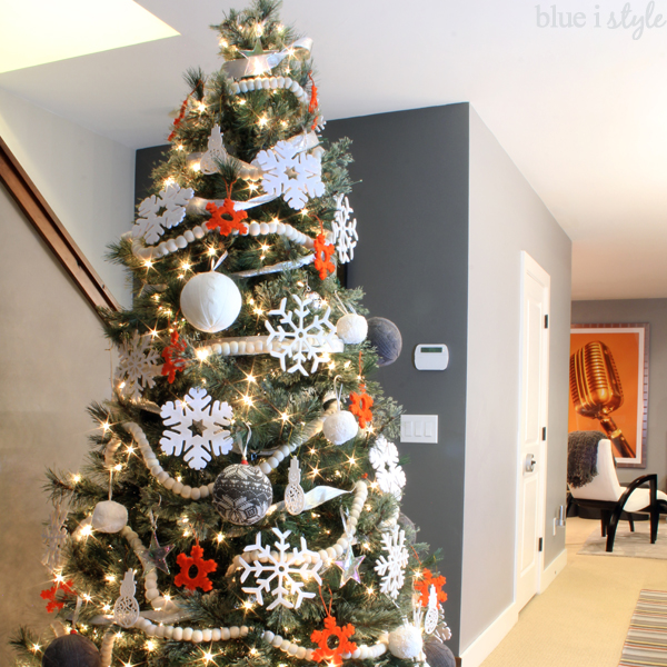 Best Seasonal Style Beautifully Kid Friendly Christmas Decor This Month